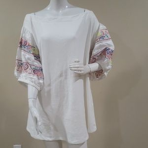 Umgee tunic with embroidery